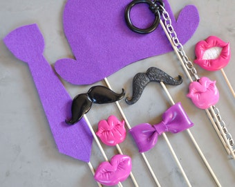 photobooth accessories for purple photo.