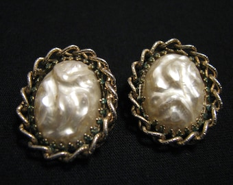 BIG Vintage Oval Braided Gold Tone and White Faux Glass Baroque Mabe Pearl Clip Earrings