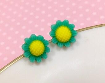 Teal Daisy Studs, Teal Flower Earrings, Flower Girl Earring, Sensitive Ear Stud, Teal Sunflower Stud (SE3)