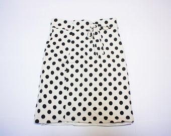 Tall white polka dots waist skirt