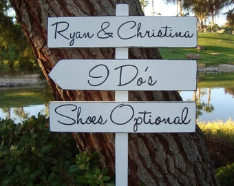 WeDDinG SiGn - ShoEs OpTioNaL Sign - BeaCH WeDDinG SiGn - MoDeRn LeTTeRiNg -DiReCTioNaL WeDDiNg SiGnS -4ft Stake - Distressed White or Ivory
