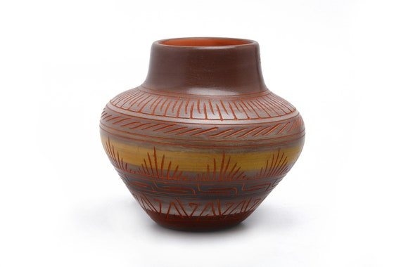 Sm Navajo Hand Painted & Etched Pottery - SEDONA RED CLAY (Lg) Cowboys logo