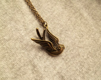 Swallow Necklace, Bird Jewellery, Bronze Antique Bird Jewelry, Steampunk Inspired