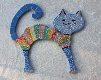 Mosaic manycoloured cat in a turtle neck on a wooden basis , 27 cm x 25 cm with fasteners for hanging on the wall