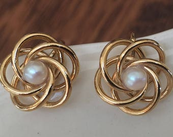 Vintage Gold Love Knot Clip Earrings, With Faux Pearl, Vintage Earrings, Vintage Gift, Gift For Her, For Mom, Grandmother, Clip Earrings