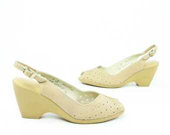 70s Peep Toe Sandals Leather Pumps Tan Wedges Shoes Vintage 1970s Yo Yos Womens Size 7
