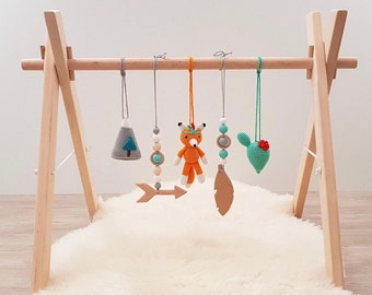 Tribal Baby play gym. Fox, Cactus, Mountain, Feather, Arrow. Wooden baby gym frame, crochet and wooden baby gym toys. Native american. Boho