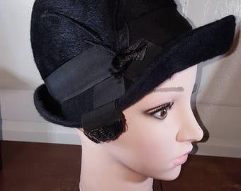 Vintage 1960s Black Felt Cloche Hat