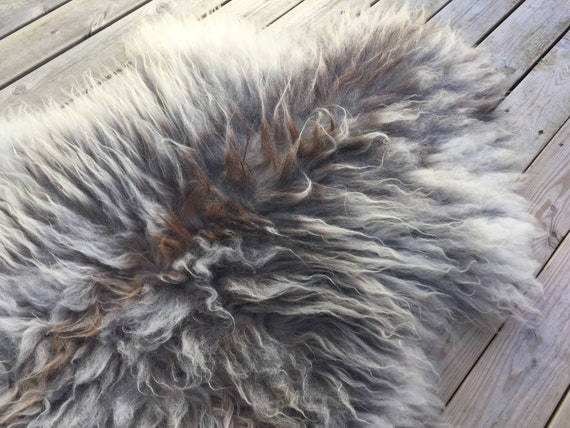 Real natural Sheepskin rug supersoft rugged throw from Norwegian norse breed medium locke length sheep skin grey gray brown 18075