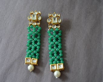 Emerald Dangle Earrings, White Pearl Drop Earrings, Gold Kundan Earrings, Indian Jewelry, Statement Earrings, Wedding Jewelry, Boho Earrings