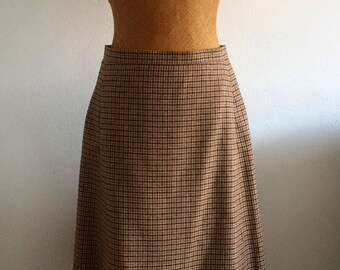 Womens/vintage/wool/plaid/skirt/houndstooth/pockets/size medium/preppy/boho chic