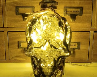 JayEngrave Piraten Stil Smokey Glas Crystal Skull Head LED Flasche Lampe Licht