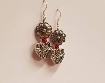 sliver flower and filigree heart earrings