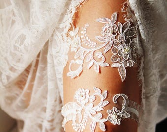 Wedding Garter Set / Bridal Garter Set / Garter / Ivory Garter / Lace Garter Set - Vintage Inspired Garter / Rustic Garter / Bohemian Garter