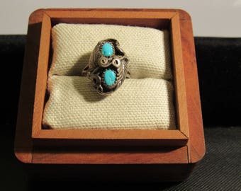 925 silver ring with turquoise color stones marked LR   sz 5 3/4  (box not included)