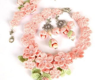 pale pink flower necklace, mori girl necklace, cherry flower necklace, girly pastel necklace, shabby chic necklace, crochet necklace,
