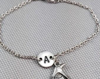Penguin bracelet, charm bracelet, personalized bracelet, animal bracelet, initial bracelet, penguin jewelry, chain bracelet