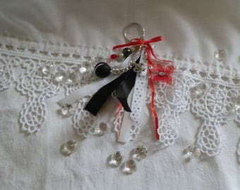 Keychain in red and black satin ribbon