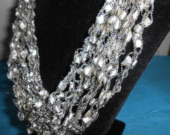 Trellis Necklace / Crochet Necklace Item No. 119a