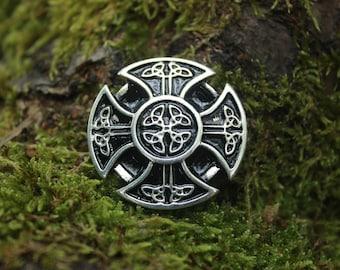 Large Celtic Cross 4 silver finish, decorative rivet