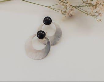 Sutaio Handmade earrings, Sterling silver 925, Minimal earrings, Circle earrings, Black gemstone