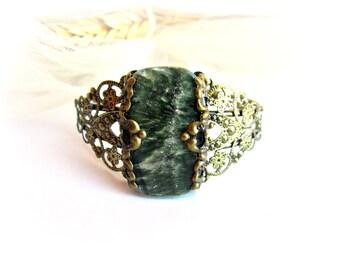 Bracciale serafinite polsino filigrana bronzo pietra dura verde bracciale cabochon pietra regalo per lei bracciale verde gioielli vittoriani