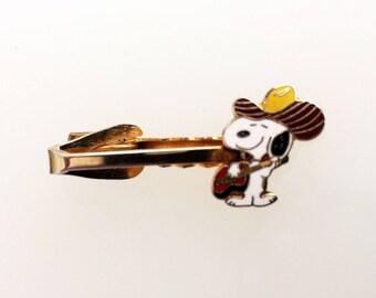 1970s Vintage Cowboy Snoopy Tie Clip - Small Tie Bar - Charlie Brown - Aviva - United Features