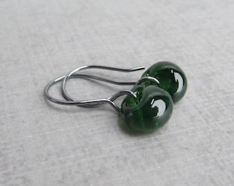 Forest Green Drop Earrings Oxidized Silver, Green Earrings, Lampwork Earrings Green Glass, Sterling Silver Oxidized Earrings, Wire Earrings