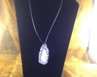 abalone shell, abalone shell Pendant, abalone shell necklace, abalone jewellery,woman's jewellery
