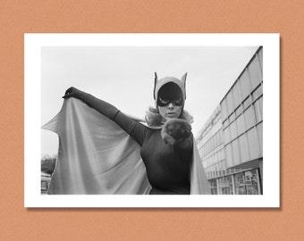 BATGIRL - Yvonne Craig - UK, 1967 - BATMAN - Giclée/Photo print