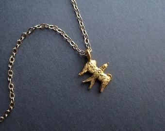 Tiny Gold Bird Necklace -  Minimal Gold Necklace - Gold Bird Jewelry - Tiny Nature Necklace - Everyday Gold Necklace - Simple Gold Necklace