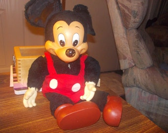 Mickey mouse made by applause