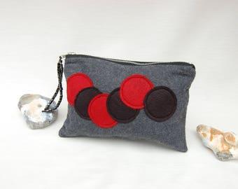 Wool felt pouch with zipper