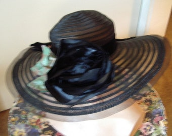 Black Horsehair Brimed Vintage 60's Cloche/ Rose Floral Trim   Item #760  Hats