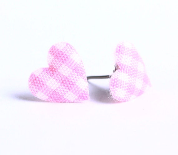 Pink and white plaid padded heart fabric stud earrings (457)