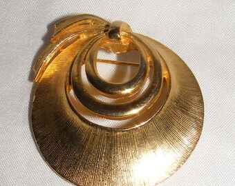 Gold Tone 3 Circle Brooch