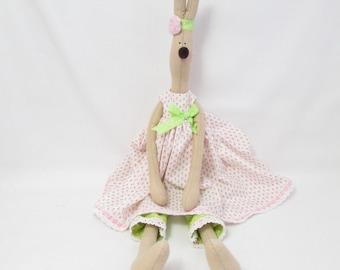 Tilda Hare - Buttercup
