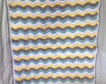 Cot sized baby ripple blanket