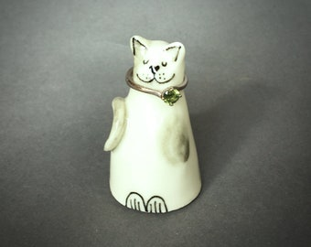 Ceramic smiling happy cat porcelain ring holder with a heart shaped noes