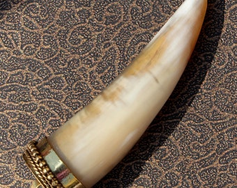 1 pc 70x22 mm White & Brown Bone Tusk Horn Pendant / Cow Bone Tusk Tooth Horn/ Tribal/ Bohemian Large Tusk Horn hp221