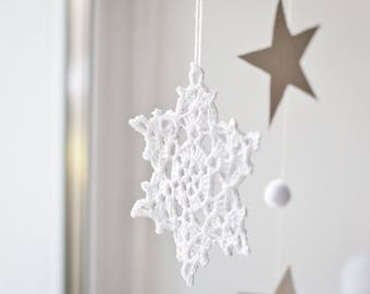 Snowflakes decorations Christmas tree ornaments Crochet snowflakes decorations Christmas decoration winter decor Set of 5 Garland