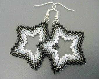 Star Earrings / Peyote Earrings / Beaded Star Earrings in Black, Gray and White / Sterling Silver Earrings / Seed Bead Earrings / Beadwork