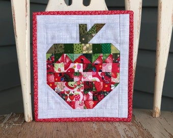 Micro Mini Strawberry Quilt PDF Pattern