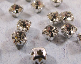 Chaton Montees - Crystal (3mm, 4mm or 5mm)