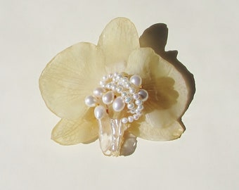 Real Flower Jewelry, White Orchid Brooch, Freshwater Pearls & Quartz Crystal, Botanical Healing Jewellery
