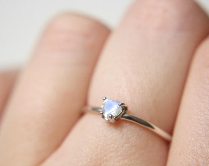4mm Heart Cut Moonstone Ring