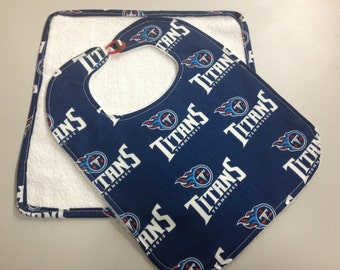 Tennesse Titans 6 Months & Up Baby Bib w/washcloth Set