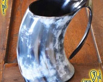 Drinking Horn Mug 550ml black and white