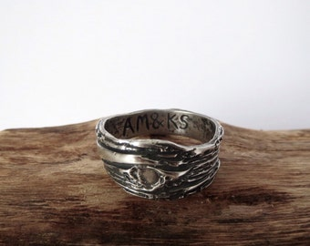 Wood Grain fine silver ring with initials