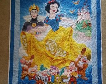 Snow White & The Seven Dwarfs, Disney Quilt/blanket
